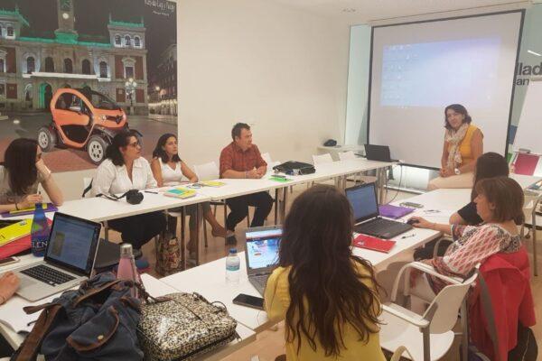 Presentación de AETICAL en la lanzadera de empleo digital del Ayuntamiento de Valladolid