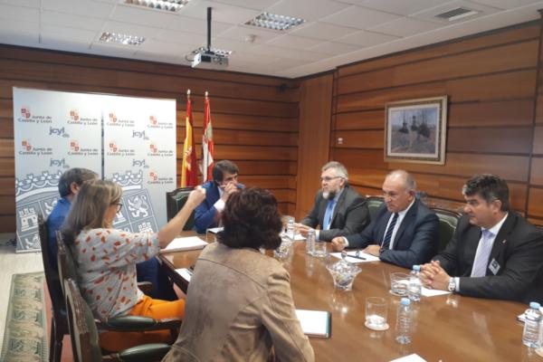 Nos reunimos con el Consejero de Fomento y Medio Ambiente de la Junta de Castilla y León.
